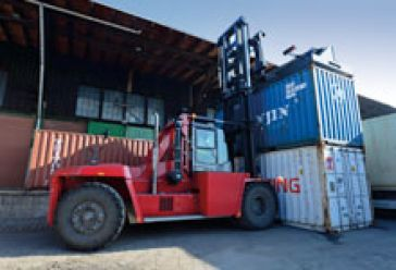 4_1_Container_Handling_0921.jpg